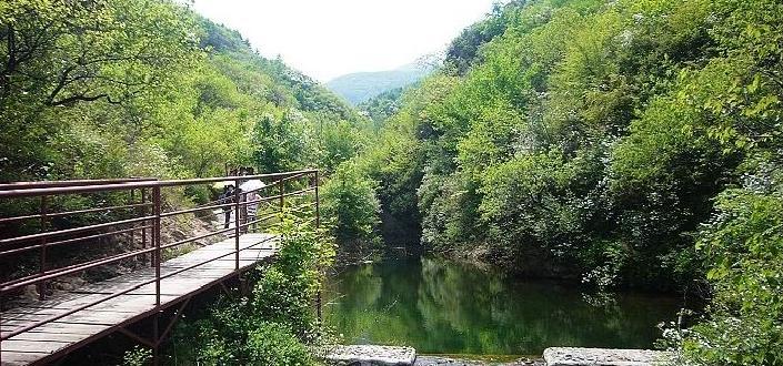 东极仙谷自然风景区位于北京最东端,北京与河北交界处,处于燕山
